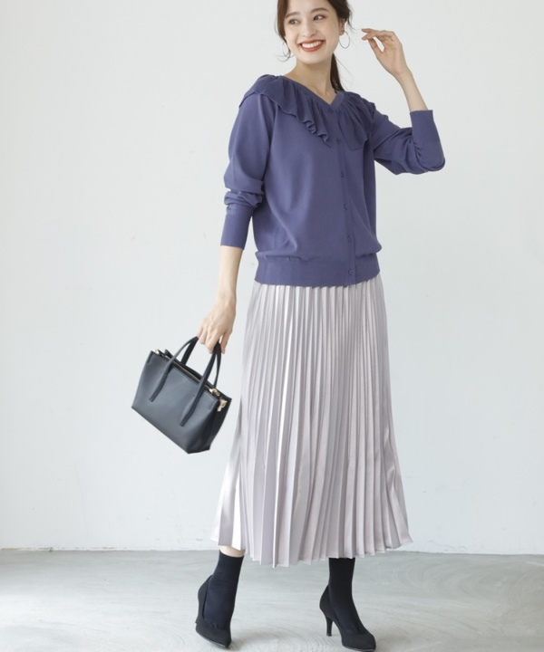 【A/W COLLELCTION 2021掲載】グロスサテンプリーツスカート